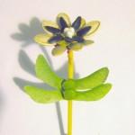 Цветы из пластилина и семечек.Мастер-класс