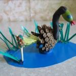 Поделка «Лебедь наозере»