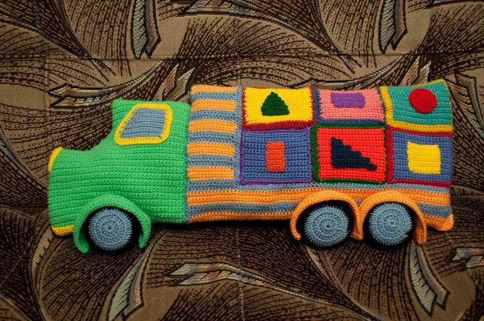 Схема вязания подушки-машины