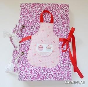Подарочный комплект на День Рождения: кулинарная книга, открытка и упаковочная сумочка